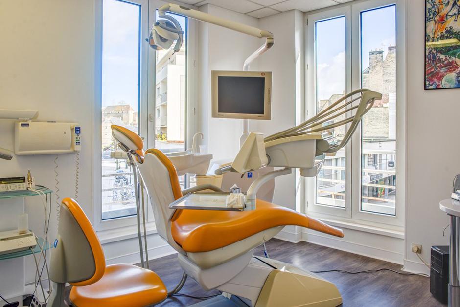 Salle de soins dentaire a Caen